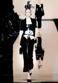 armani-prive-couture-fw-2011-010_105443374404