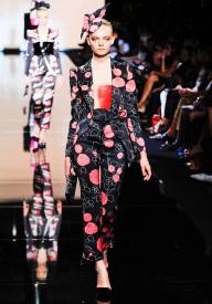 armani-prive-couture-fw-2011-021_105450874889
