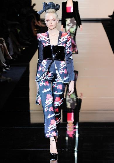 armani-prive-couture-fw-2011-022_105451762793