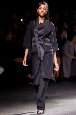 givenchy-rtw-ss2014-runway-06_182013571169
