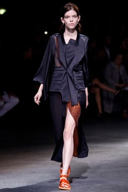 givenchy-rtw-ss2014-runway-07_182014275885