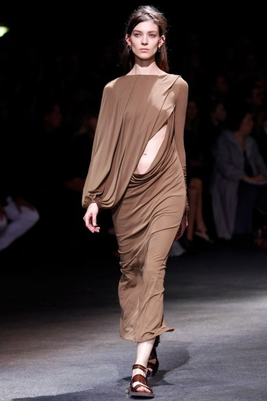 givenchy-rtw-ss2014-runway-17_182021332895