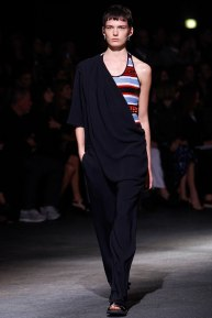 givenchy-rtw-ss2014-runway-44_182041748651