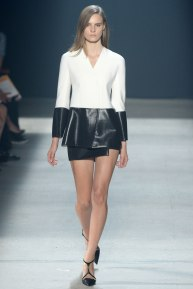 narciso-rodriguez-rtw-ss2014-runway-01_235340580692