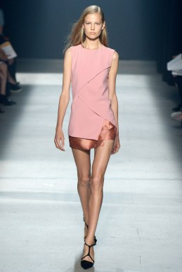 narciso-rodriguez-rtw-ss2014-runway-22_235357598820