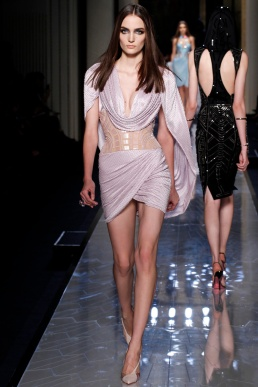 atelier-versace-fall-2014-couture-08_180759266258
