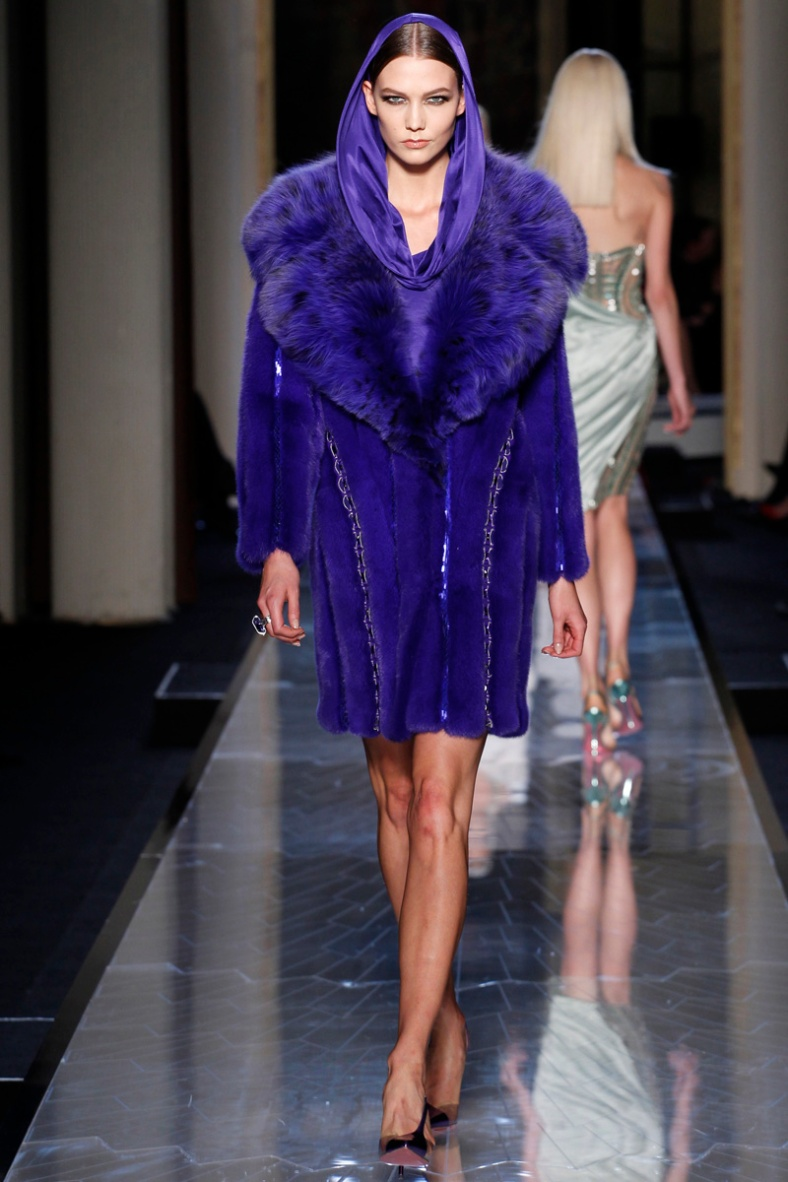 atelier-versace-fall-2014-couture-12_180803780064