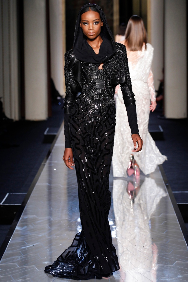 atelier-versace-fall-2014-couture-32_180819346027