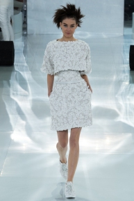 chanel-spring-2014-couture-03_104727856430