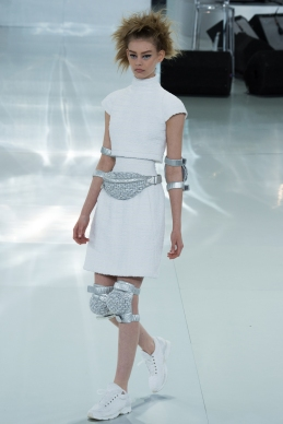chanel-spring-2014-couture-06_104729167353