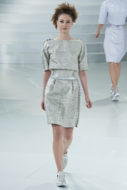 chanel-spring-2014-couture-23_104743774728