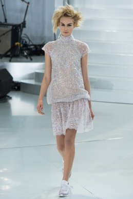 chanel-spring-2014-couture-36_104755692054