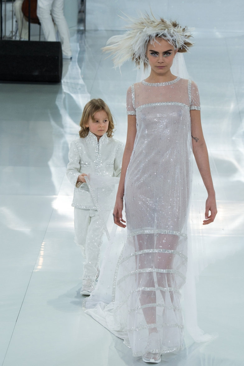 chanel-spring-2014-couture-63_104817394970