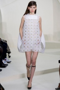 christian-dior-spring-2014-couture-04_115142108015