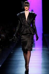 jean-paul-gaultier-spring-2014-couture-runway-01_122004826211