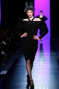 jean-paul-gaultier-spring-2014-couture-runway-02_122005773143