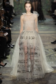 valentino-spring-2014-couture-runway-01_164006183194