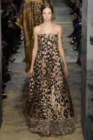 valentino-spring-2014-couture-runway-19_164021702645