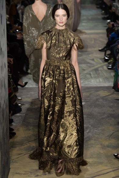 valentino-spring-2014-couture-runway-34_16403469898