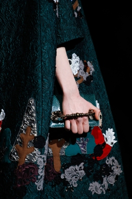 dolce-and-gabbana-rtw-fw2014-details-006_135916839004