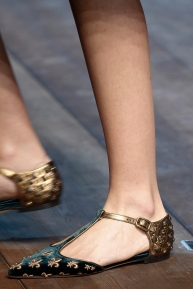 dolce-and-gabbana-rtw-fw2014-details-027_135933103780