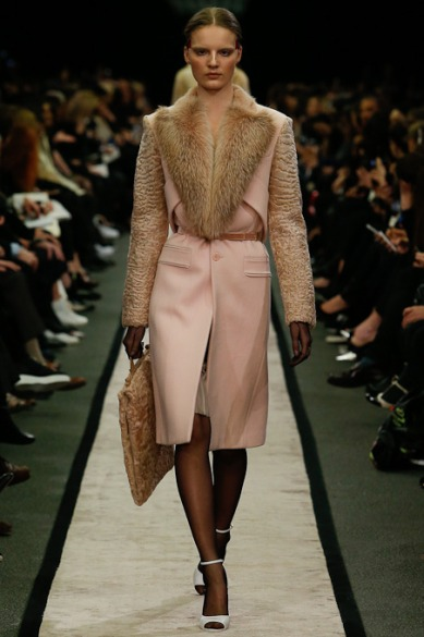 givenchy-rtw-fw2014-runway-12_151607271993