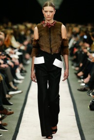 givenchy-rtw-fw2014-runway-42_151629263135