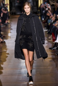 stella-mccartney-rtw-fw2014-runway-02_091632860809
