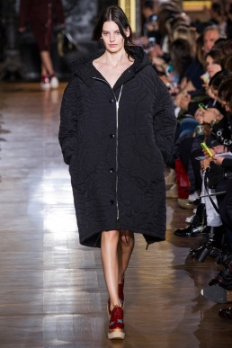 stella-mccartney-rtw-fw2014-runway-08_091637328443