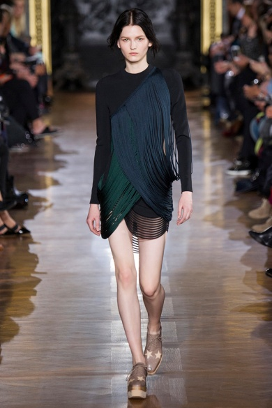 stella-mccartney-rtw-fw2014-runway-40_091704764471